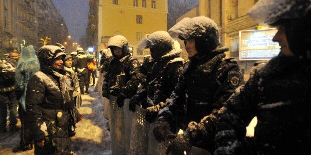 Polizei räumt weitere Barrikaden in Kiew