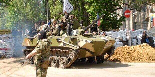 Separatisten fliehen aus Slawjansk - Tote