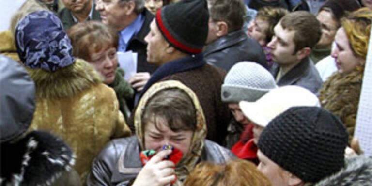 Betrunkener raste in Straßenbahn-Haltestelle