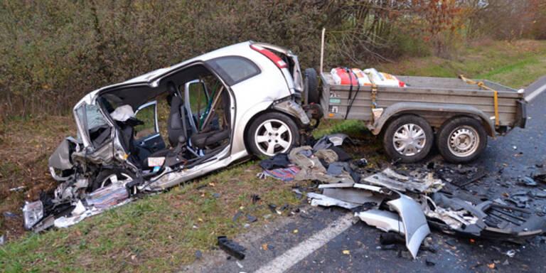 Steirer stirbt bei Frontal-Crash