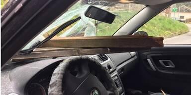 Steirerin bei Autounfall fast durchbohrt worden