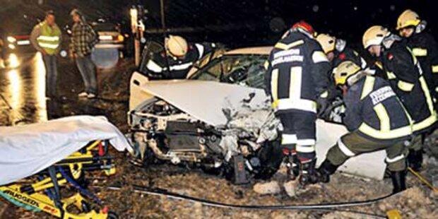 Alko-Fahrt endete mit Frontal-Crash