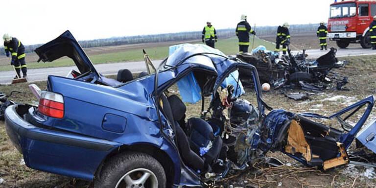 Zwei Burschen starben bei Horror-Crash