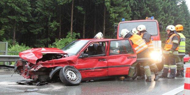 Schwangere Frau bei Verkehrsunfall verletzt
