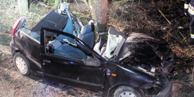 Drei Jugendliche bei Unfall schwer verletzt