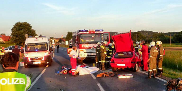 Frontalcrash: 4 Frauen schwer verletzt