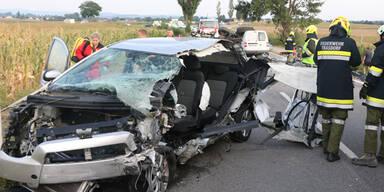 Alko-Lenker bei Unfall schwer verletzt