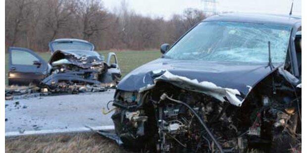 Schwere Serien-Unfälle im Morgengrauen