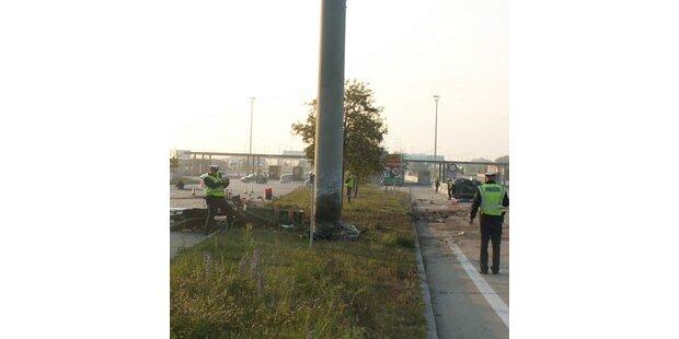 Auto bei Horror-Unfall zerfetzt