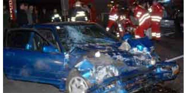 Sechs Verletzte bei Verkehrsunfall in OÖ