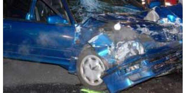 19-jähriger Tiroler flüchtete nach irrem Crash
