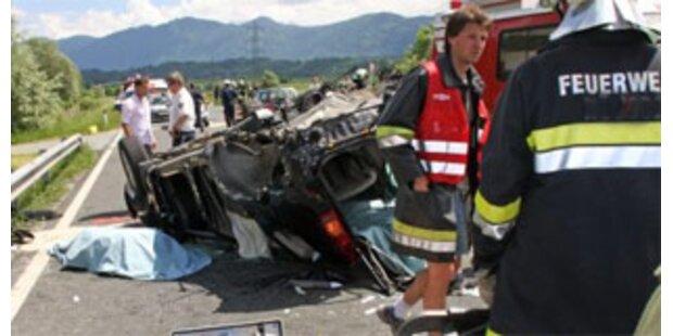 Neun Tote auf Oberösterreichs Straßen