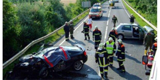 Drei Todesopfer bei drei Verkehrsunfällen