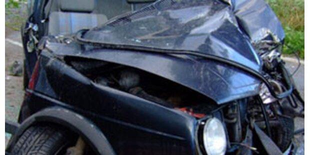 Dreifache Mutter bei Pkw-Crash verunglückt