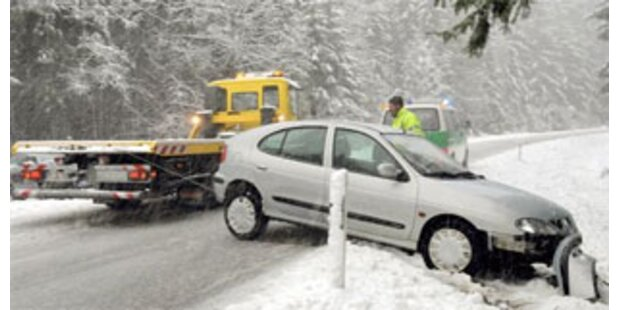 Allein in NÖ 33 Unfälle wegen Schnees