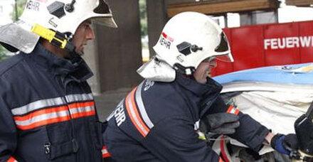 Schwerer Lkw-Crash auf Arlberg-Straße