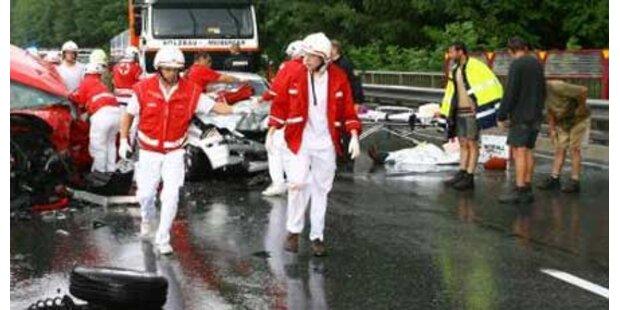 Deutsche starb bei Crash auf A10