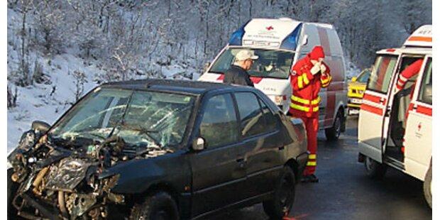 Ein Toter bei Unfällen auf NÖ-Straßen