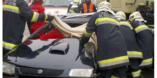 Eine Tote bei Pkw-Crash im Bezirk Baden