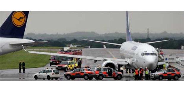 Lufthansa-Airbus in Manchester gerammt