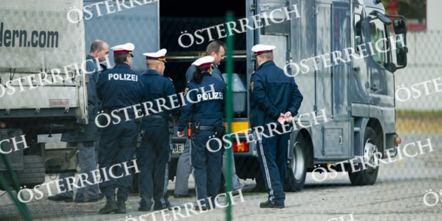 Lkw-Lenker überfährt Arbeiter: tot