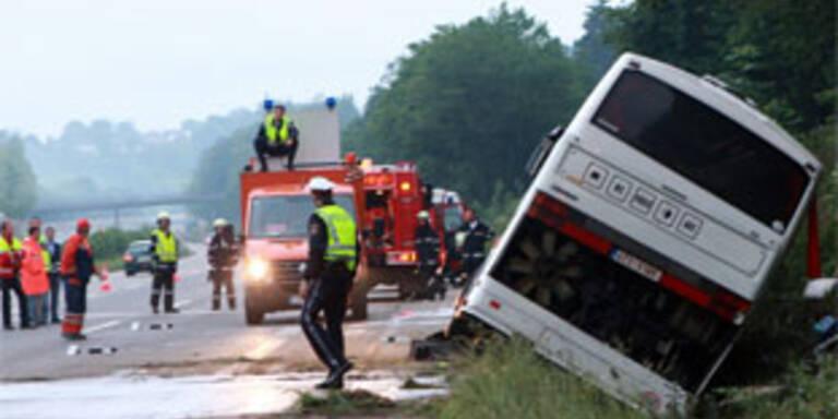 Kind stirbt bei Bus-Crash in der Steiermark