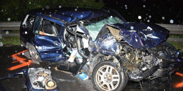 Horror-Crash auf A2: Frau wird überrollt
