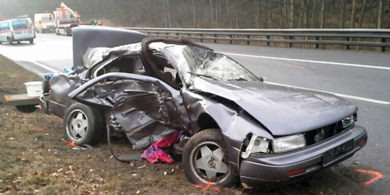 Crash im Nebel: Schwestern tot