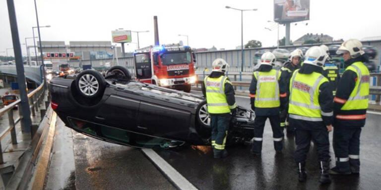 Stau-Chaos nach Unfall auf der A23