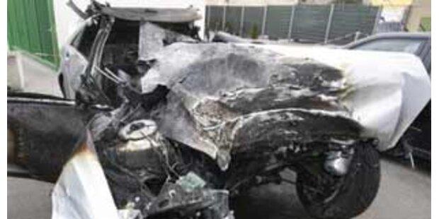 Ein Toter bei Fahrzeugüberschlag auf der A2
