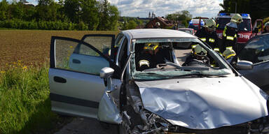 91-Jähriger stirbt bei Frontal-Crash