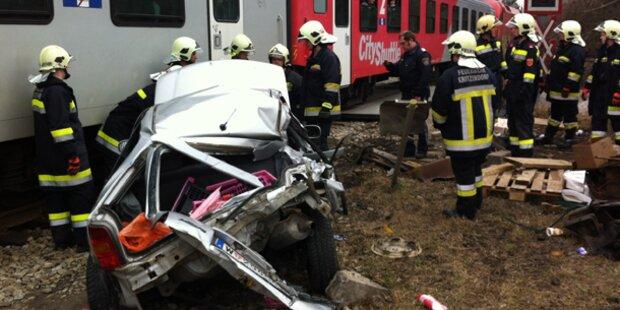 Lenkerin überlebte einen Bahn-Crash unverletzt