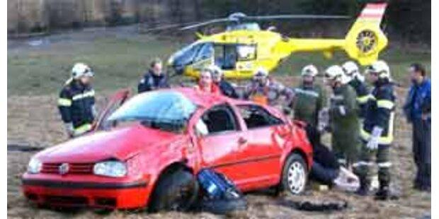 Mutter und Sohn bei Unfall schwer verletzt