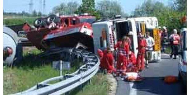 LKW-Unfall sorgt für Sperre auf der A1