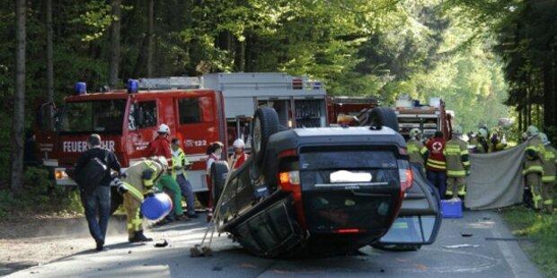 Lenkerin stirbt bei Frontal-Crash mit Pkw