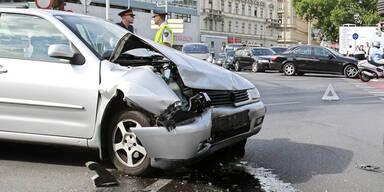Automatisches Notrufsystem für Neuwagen