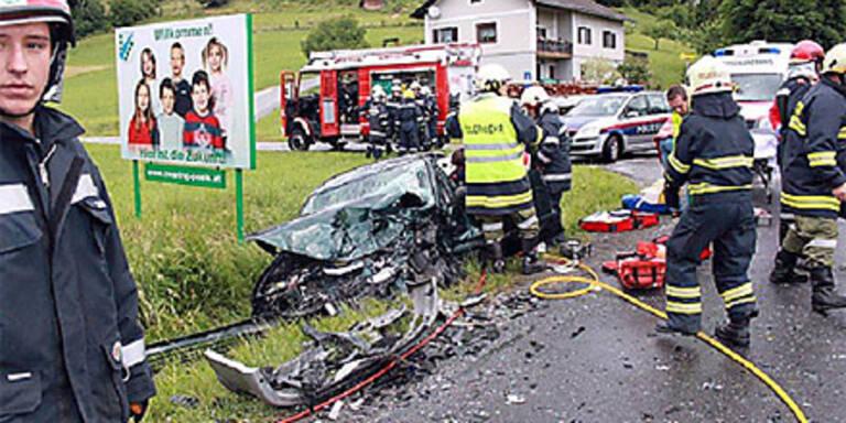 Zwei Schwerverletzte nach Frontal-Crash