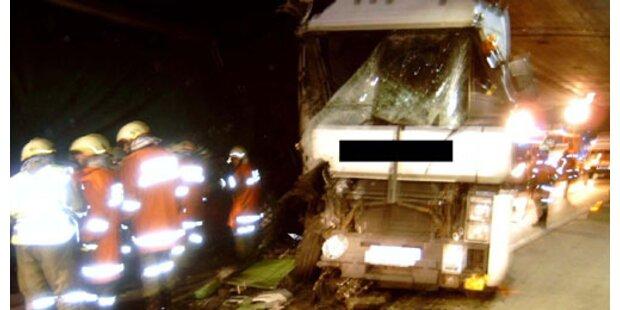 Tödlicher Verkehrsunfall auf der Tauernautobahn