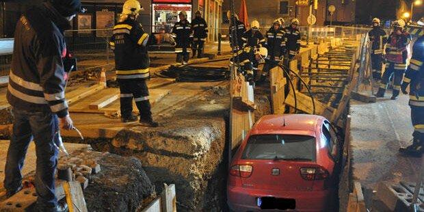Auto stürzt auf Gasleitung