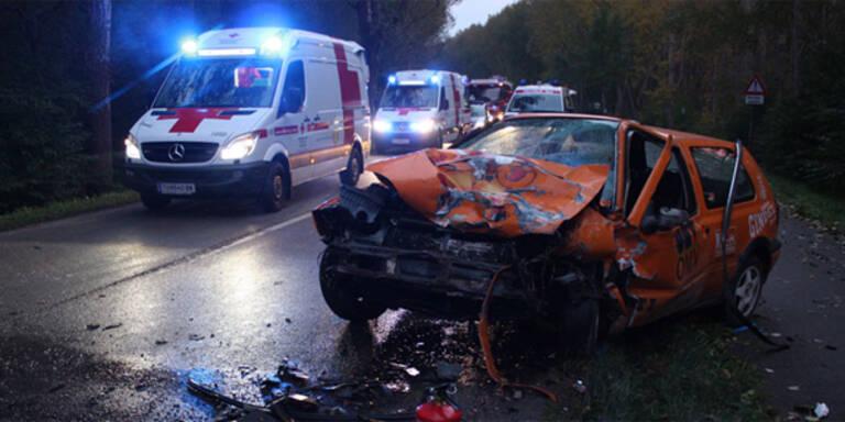3 Jugendliche bei Unfall schwer verletzt