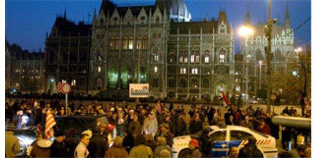 Polizei löste Demonstration vor Parlament auf