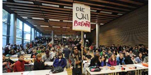 250 Studenten tanzten durch Innsbruck