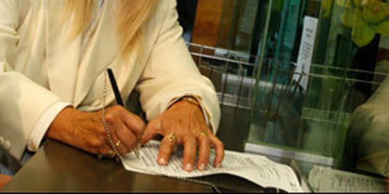 1.700 Unterschriften für Kaplan gesammelt