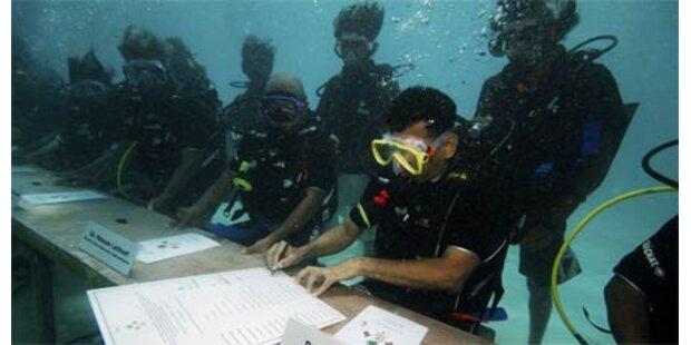 Malediven - Regierung tagt unter Wasser