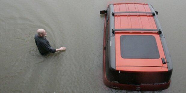 Rekordregenfälle fordern 15 Tote