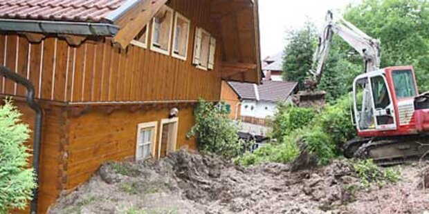 Monsun-Unwetter verwüstet das Land
