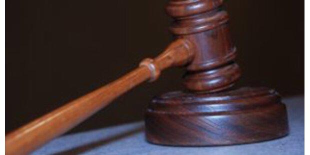 24 Stockschläge und 42 Jahre Haft für Vergewaltiger
