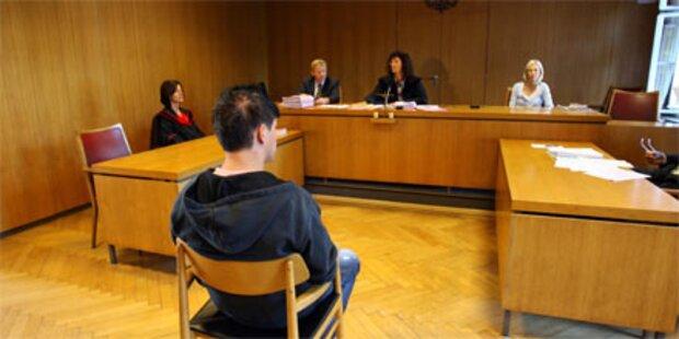 Fünf Jahre Haft für Asylwerber in NÖ