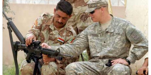 USA schicken 4.000 Militärausbilder