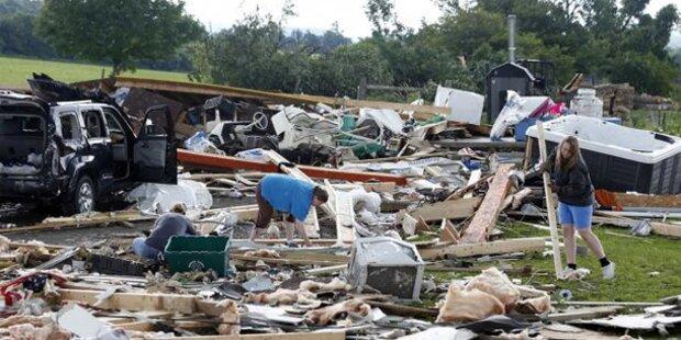 Fünf Tote nach möglichem Tornado